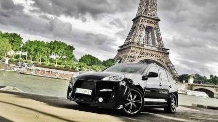 Как взять машину с водителем в аренду в Париже?